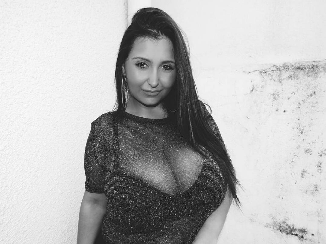 Really gigantic tits